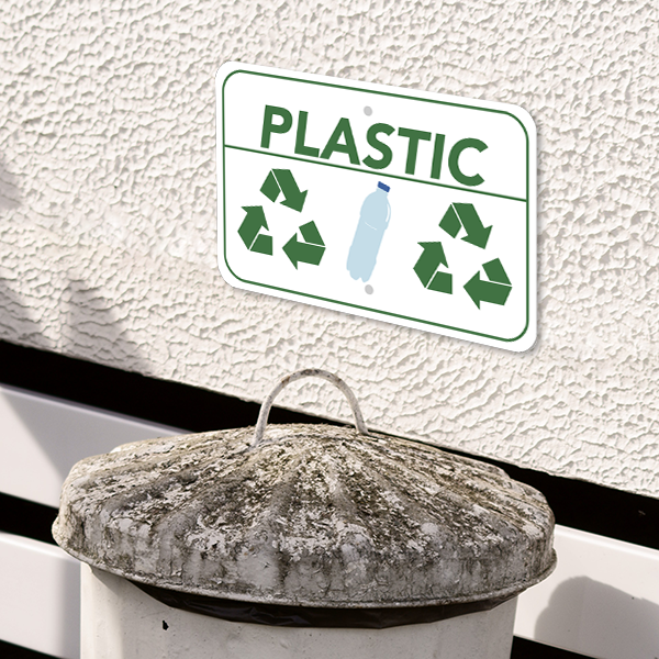 Mounted Horizontal Plastic Recycling Sign