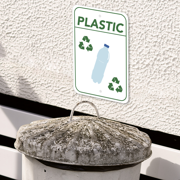 Mounted Vertical Plastic Recycling Sign